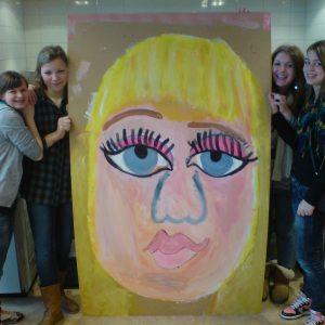 Workshop – Leerlingen Voortgezet Onderwijs Samen Grote Portretten Schilderen – Apeldoorn