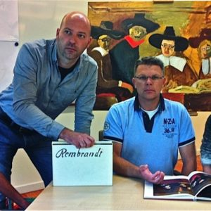 Workshops Bedrijven - Het Team Poseert Als De Staalmeesters Van Rembrandt Voor Hun Eigen Gesammtkunstwerk - 2012