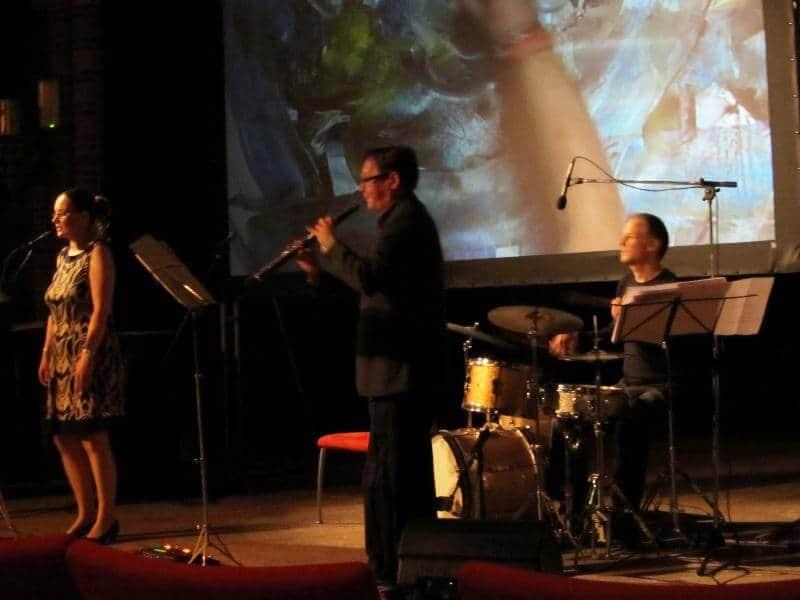 penpaints-Live decor schilderen bij multidiscilinaire voorstelling Vondelkerk 1-Amsterdam 2012.