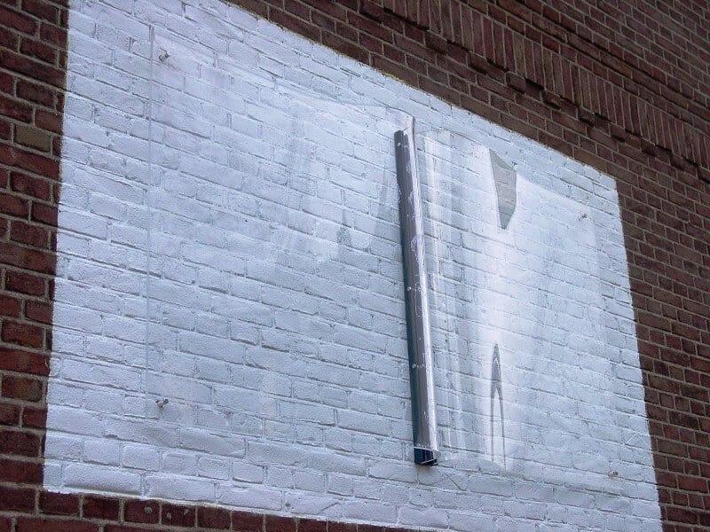 penpaints- MKZ monument 'Het Toverboek'-Op de gevel Detail-basisschool Nijbroek-2002