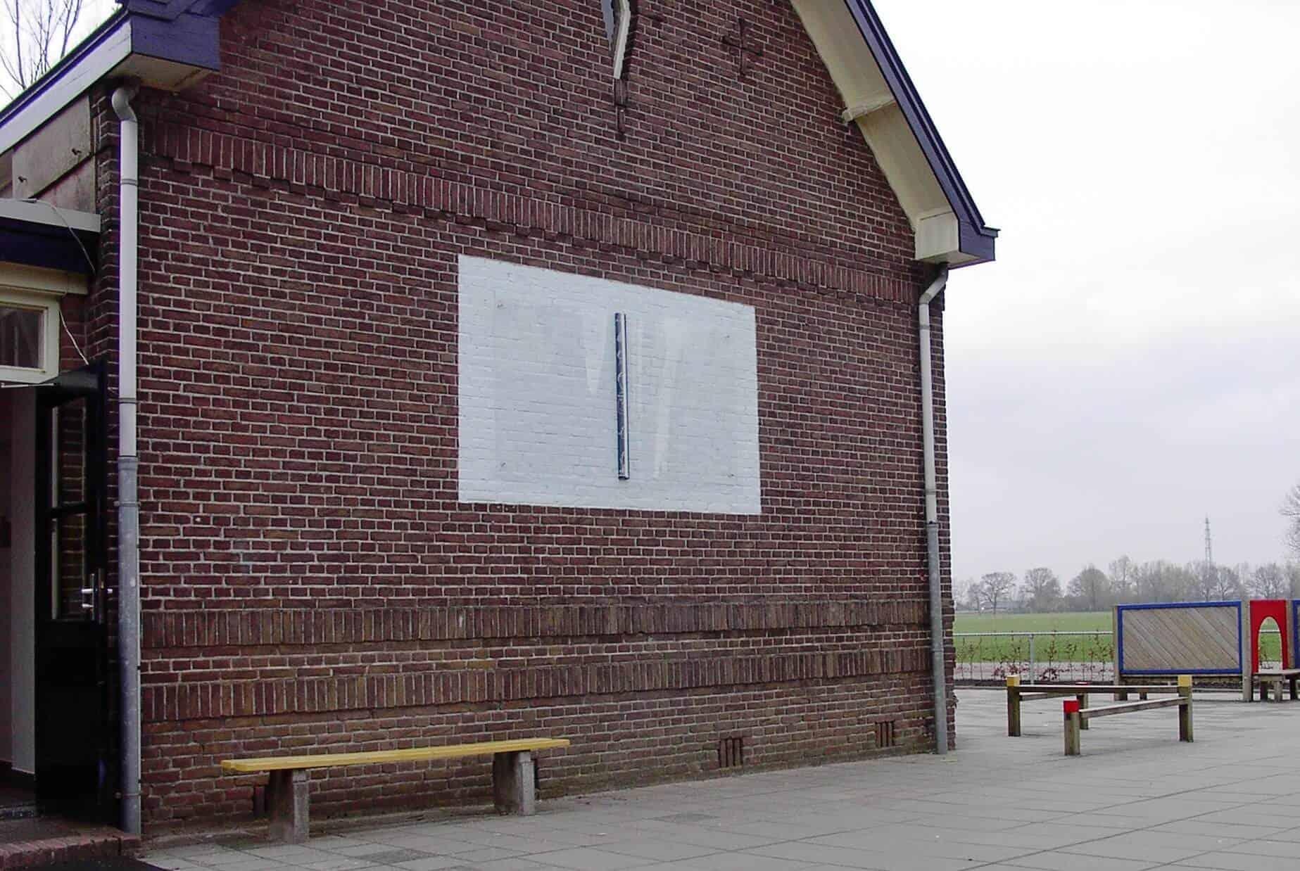 penpaints- MKZ monument 'Het Toverboek'-Op de gevel geplaatst-basisschool Nijbroek-2002