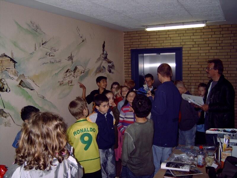 Rondleiding basisschoolkinderen Trappenhuis Gentiaanflat - Mijn flat is een Berg, Apeldoorn 2006